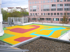 playfix® as a colourful safety surfacing on a flat roof