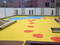 Playfix® safety flooring on a flat roof (KiTa).